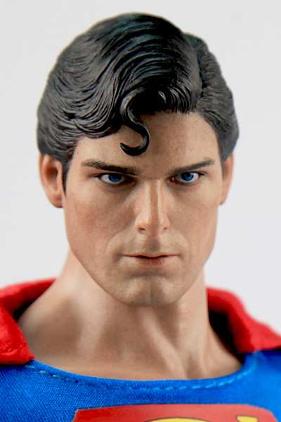 FIGURA DEL SUPERMAN DE CHRISTOPHER REEVE